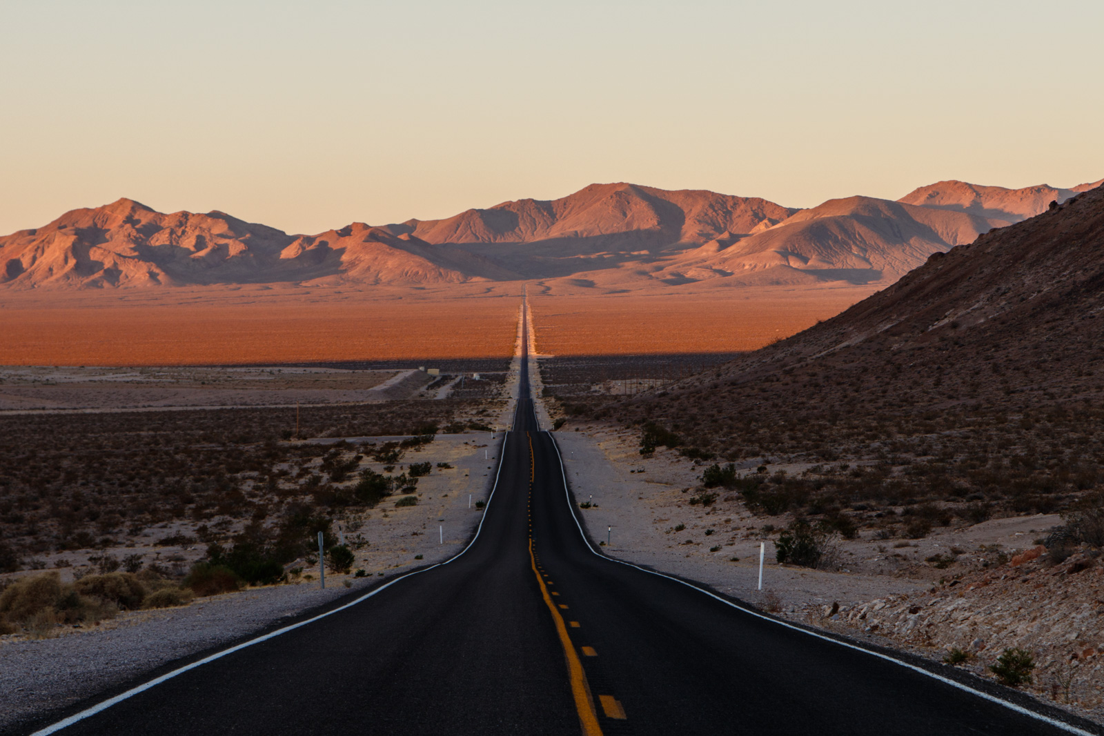 Strasse im Death Valley